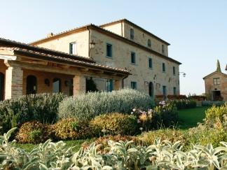 italy_tuscany_pas_exterior5-e1498675780908.jpg